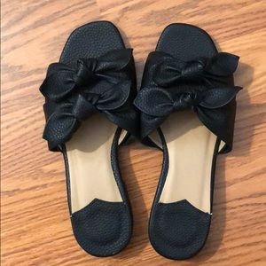 Black bow leather sandals